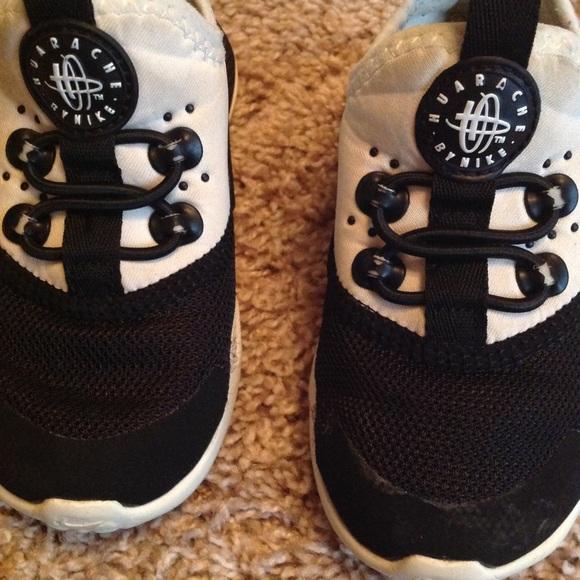 26d04be3f3df97 Toddler Nike Air Huarache Drift Sneakers. M 5c7334b5c2e9fe22299e61e0